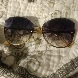 Dark Ombre Shades W Gold Frame